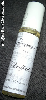 retro-creams-and-perfumes-etsy-review-experience-roll-on-perfume-blindfolded
