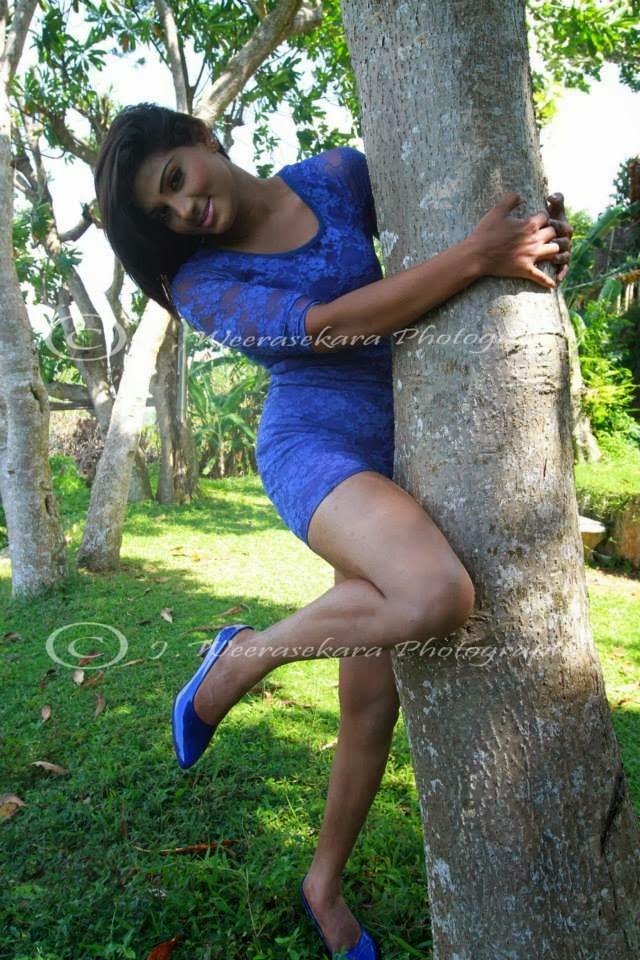 Thilini Gunasekara sexy thighs