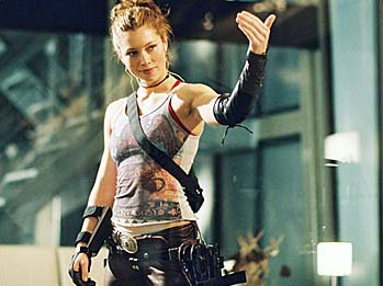 amy smart starship troopers