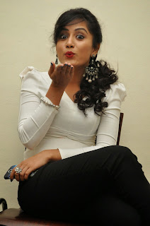 Smithika acharya latest stylish Pictures 025.JPG