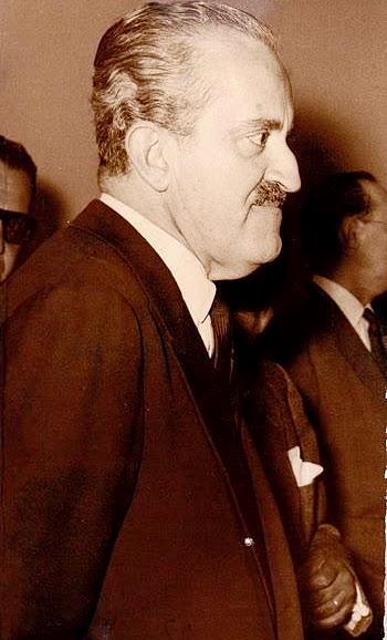 Foto de Guillermo León Valencia de perfil