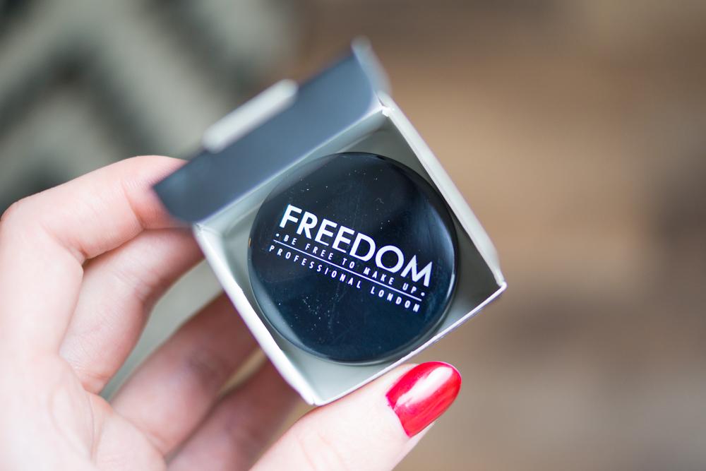 Nowa Pomada Do Brwi Freedom Czy Jest Jakikolwiek Sens Lamadolamy