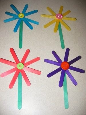 http://easypreschoolcraft.blogspot.ca/2012/03/easy-craft-stick-flower-craft.html
