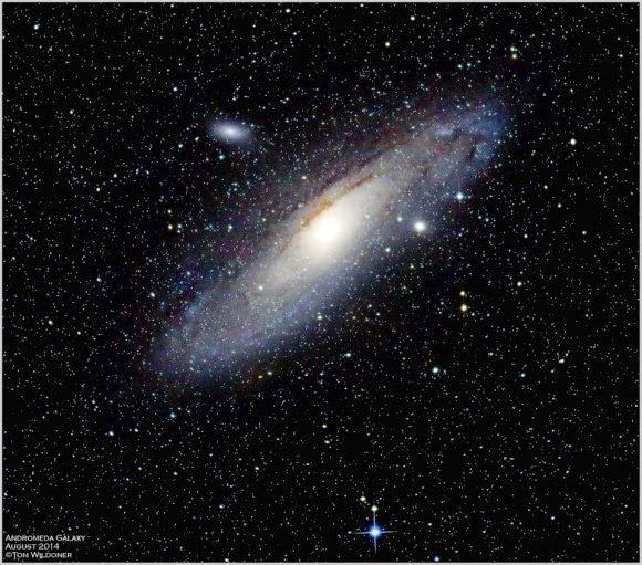 Galaksi Andromeda Bergerak Mendekati Galaksi Bima Sakti