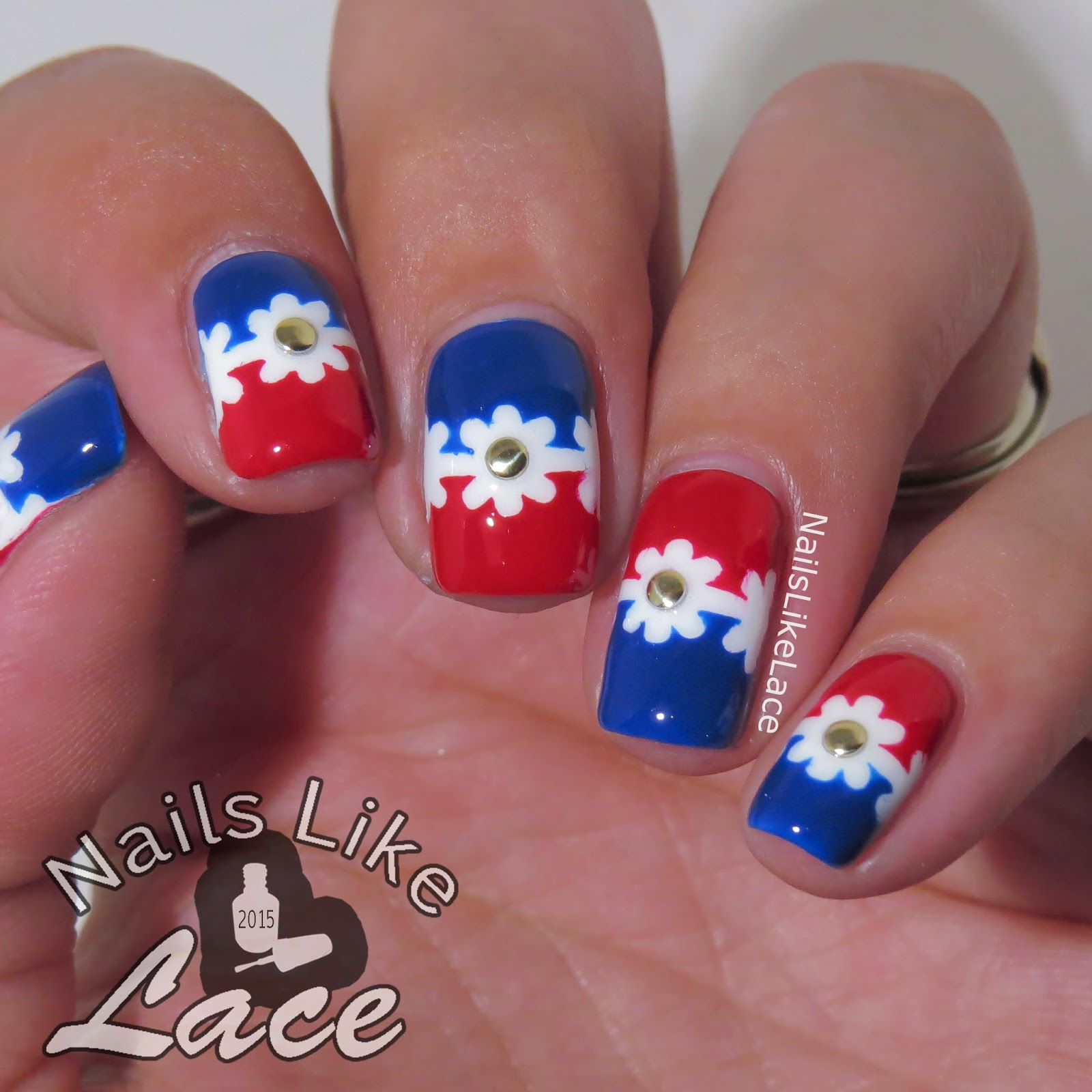 NailsLikeLace: Patriotic Daisy Chain feat. LOOK Nail Color