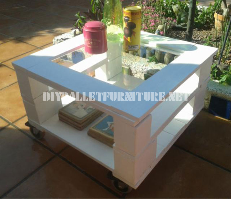 Mesa auxiliar exterior con palets for Mesa exterior