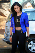 Karthika nair latest glam pics-thumbnail-10
