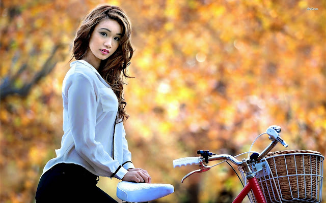 2451-Girl On Bike HD Wallpaperz