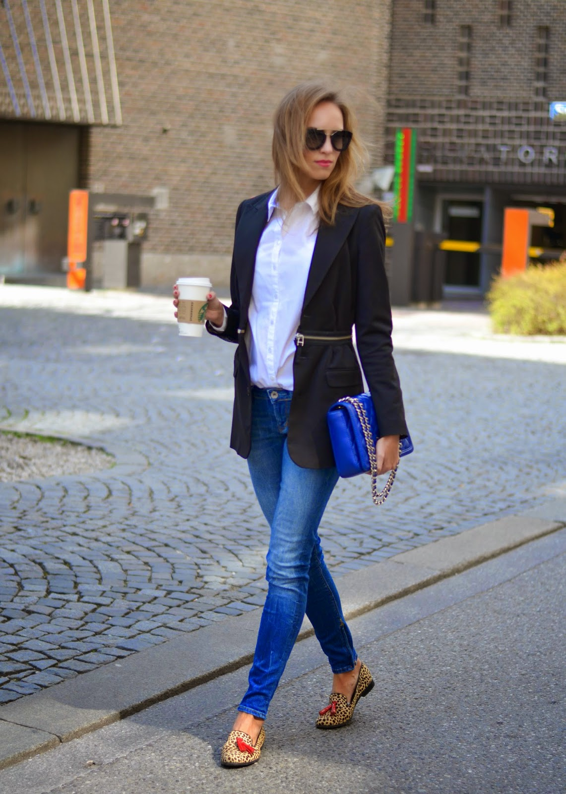 kristjaana mere blazer blue jeans casual chic outfit