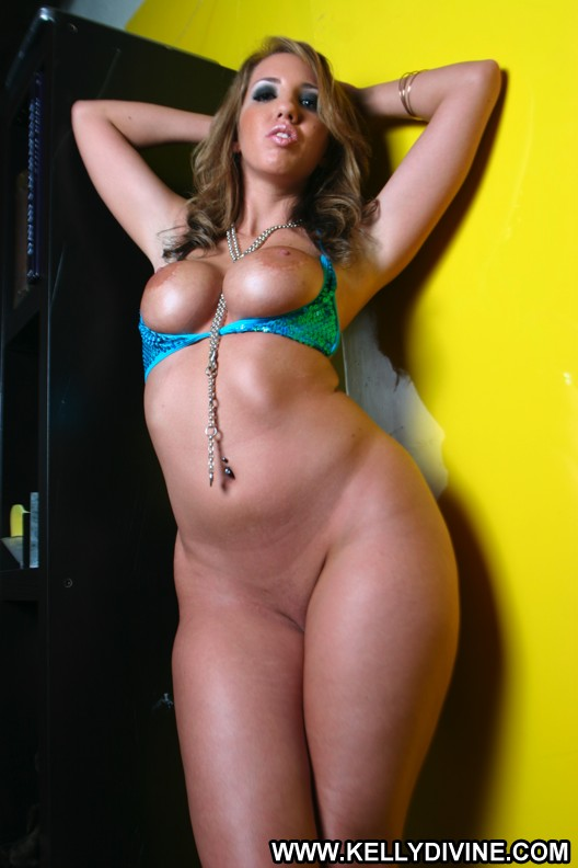 kelly divine naked ass