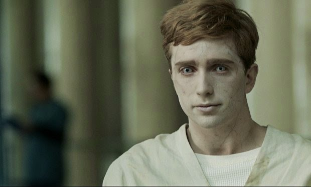 in the flesh, kieren, save in the flesh, bbcThree, serie, bbc, el zorro con gafas,