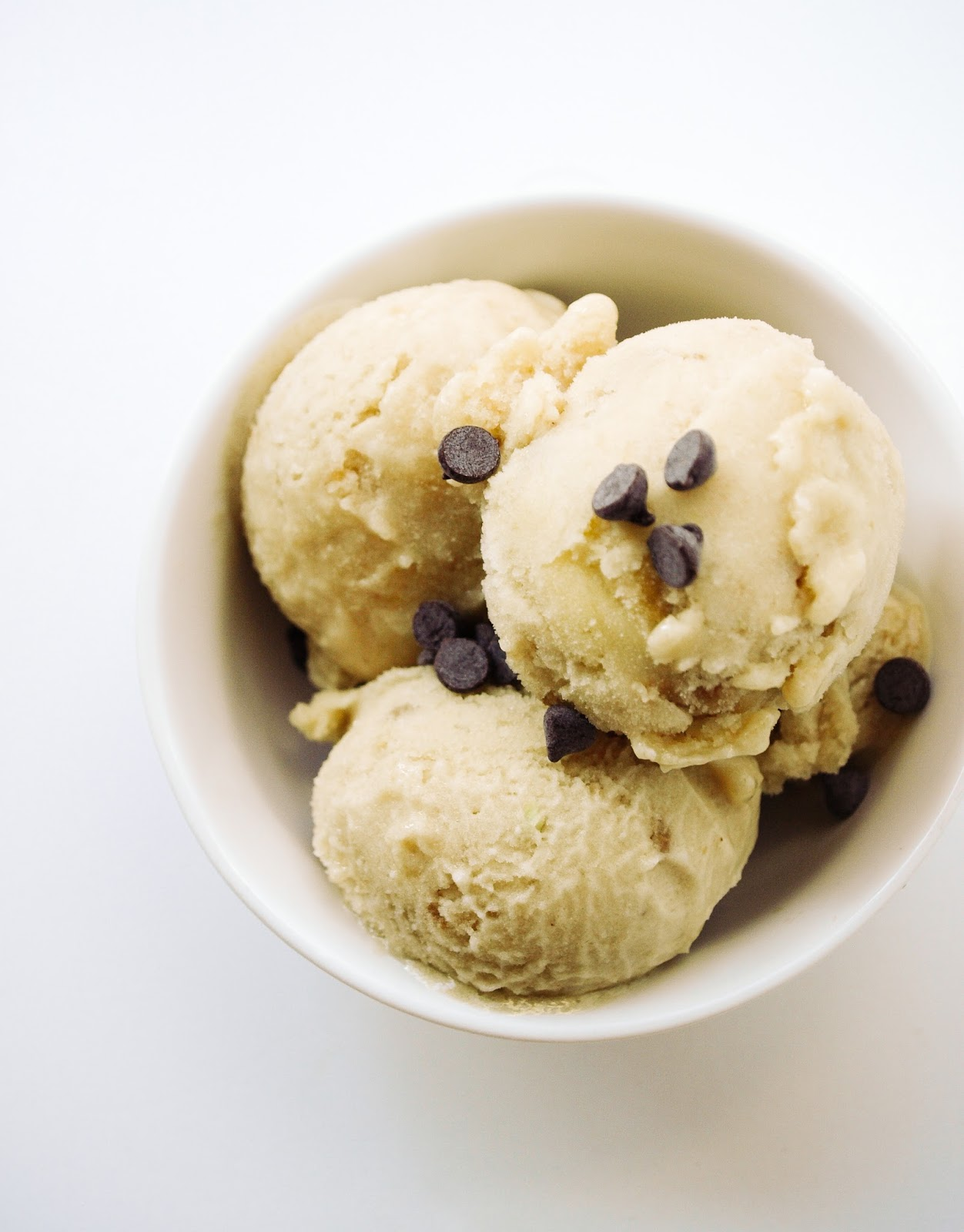 THE SIMPLE VEGANISTA: BANANA COCONUT GINGER ICE CREAM