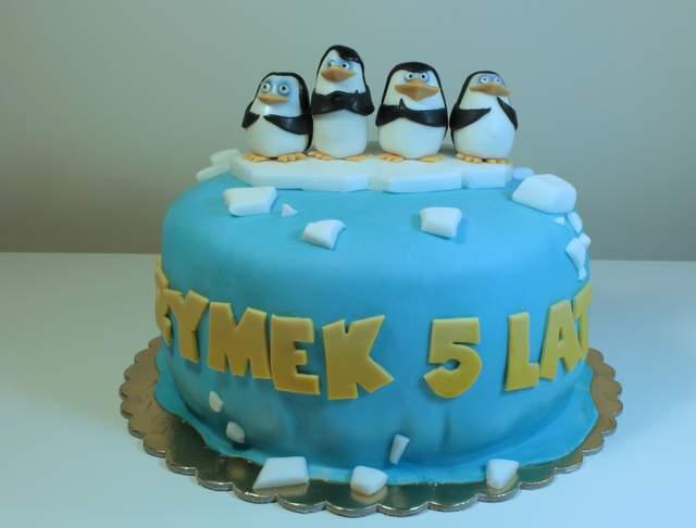 tort z pingwinami z madagaskaru