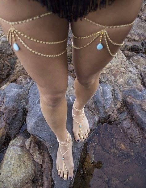 Bijoux de corps : Tatouages éphémère , body chain , foot chain