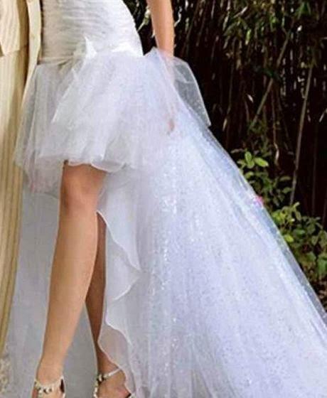 Vestidos de novia cortos con cola larga