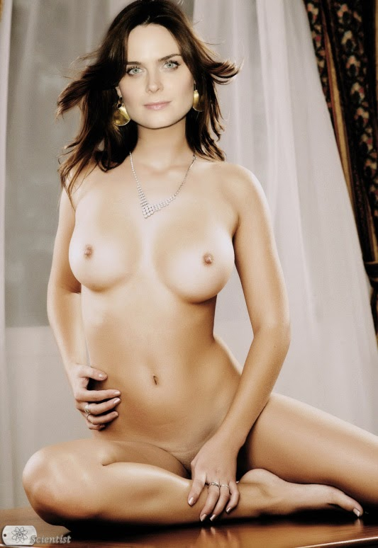emily deschanel nude pics in playboy