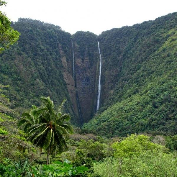 Hi'ilawe Falls, Hiilawe, Hawaii, USA