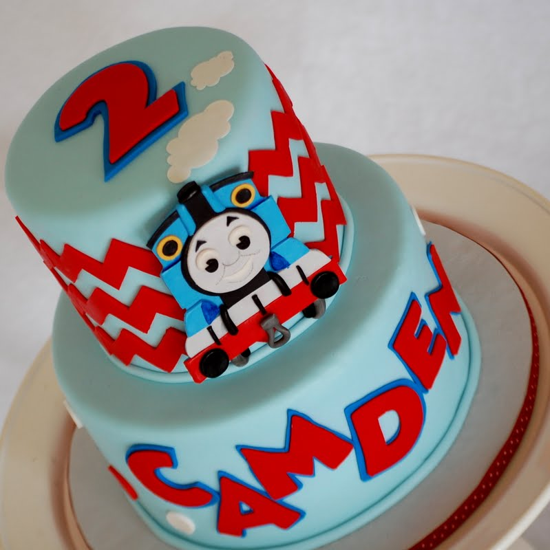 Cake Images Of Thomas The Train : CakeFilley: Modern Thomas the Train Cake