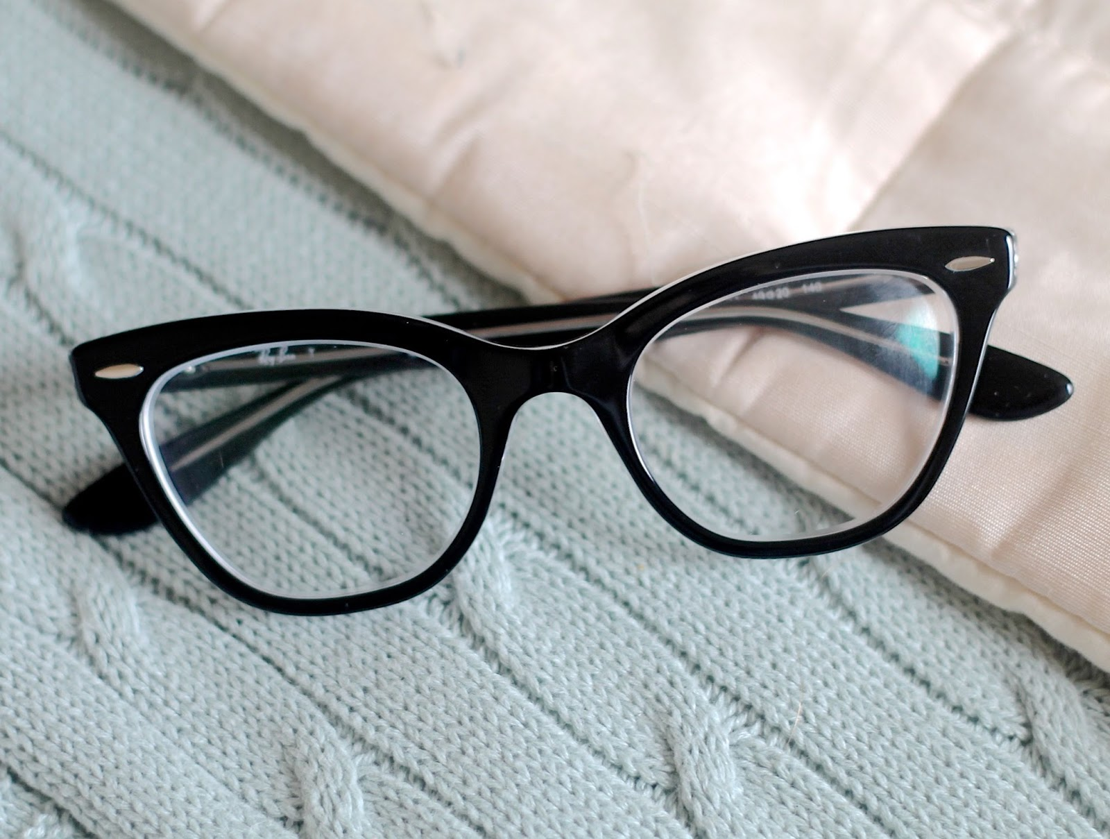 rayban rx5226 catseye in black