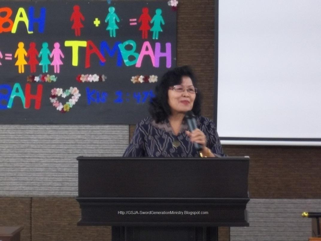 Pembicara Harnas Wanita GSJA Sword 2011