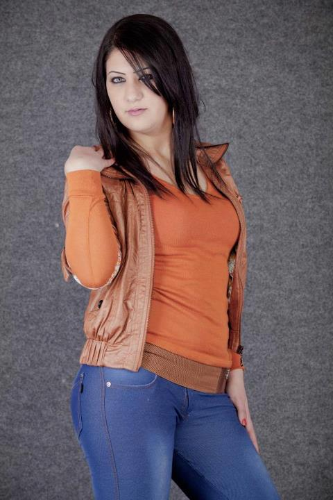 Desi girls wallapers new very very hot wallpaperdesi for Desi sexy imege
