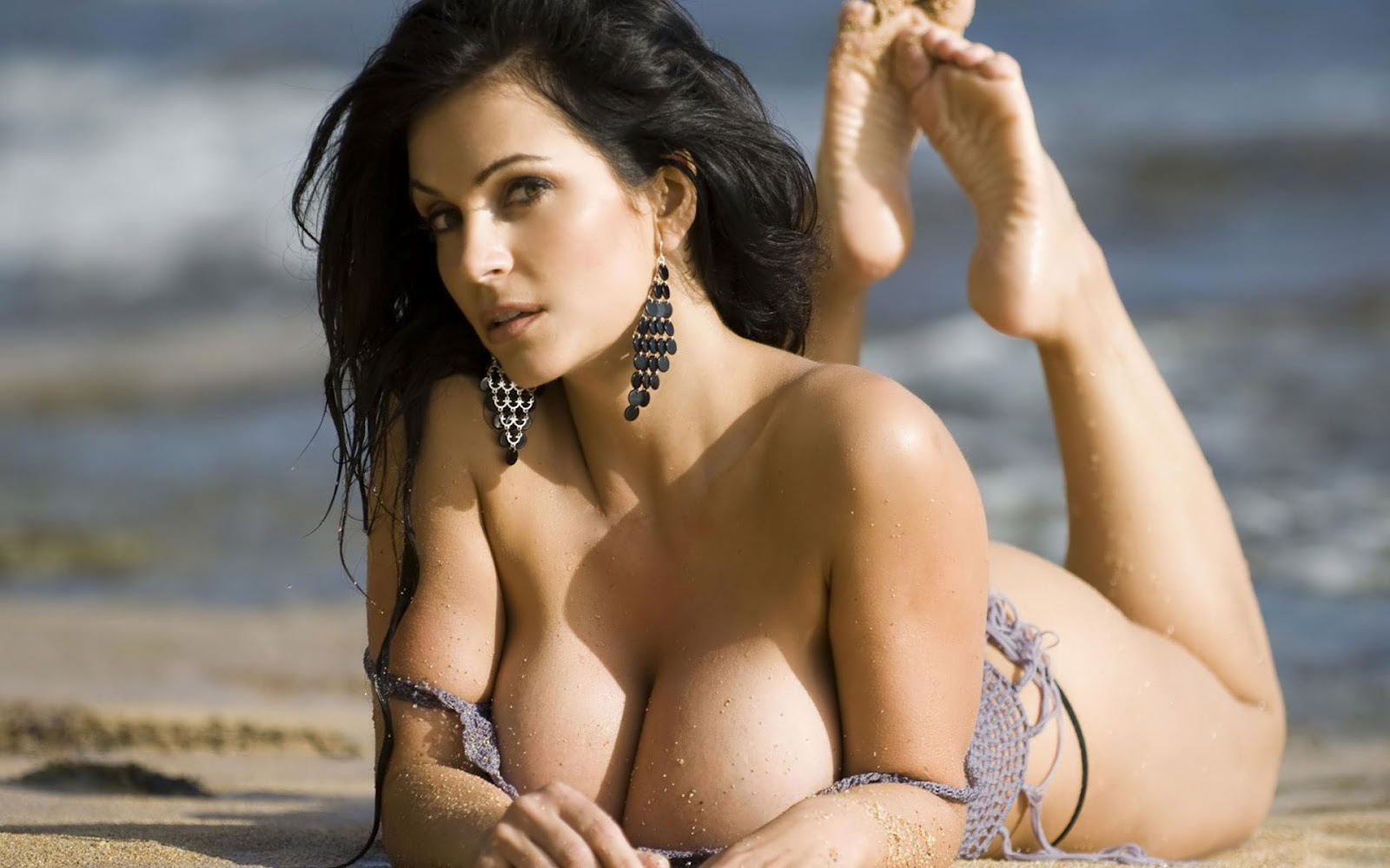the big tits of denise milani spanish porn