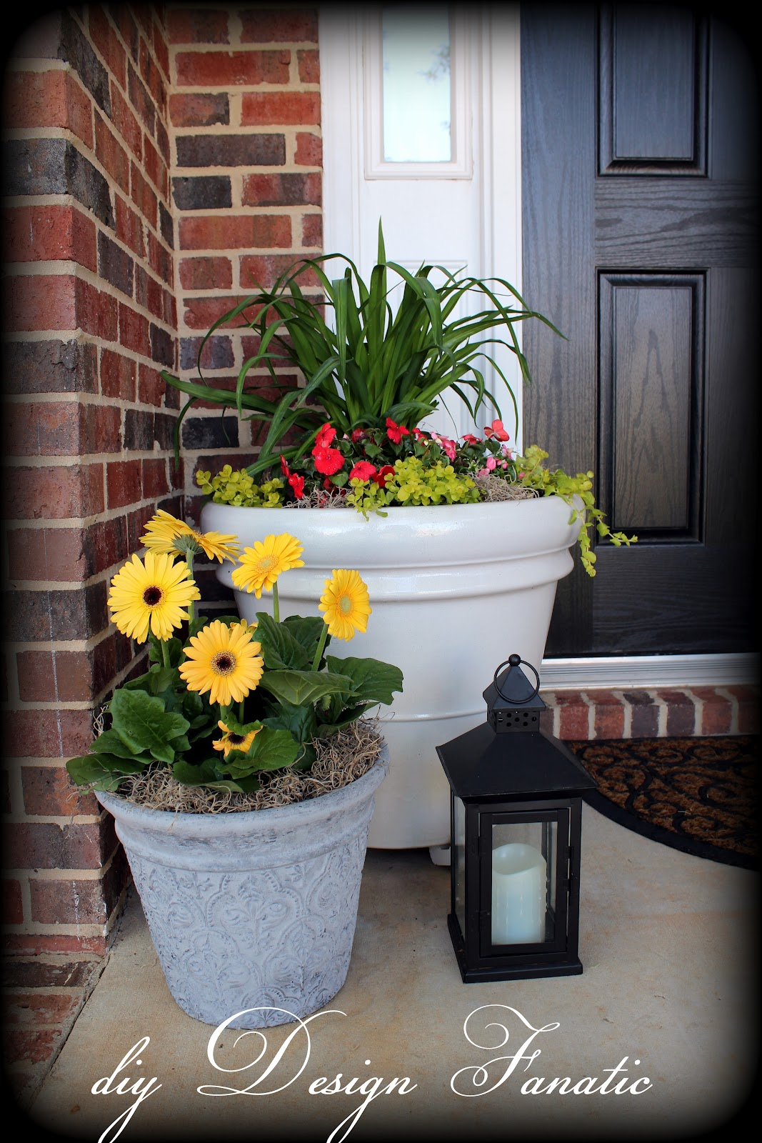 Diy design fanatic porch makeover for Decorating patio with potted plants