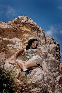 sri lankan model piyumi in short skirt latest photos