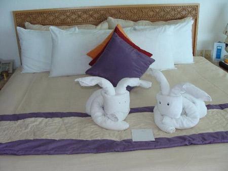 ORIGAMI CON TOALLAS TOWEL ORIGAMI by decoracionyestilo.blogspot.com