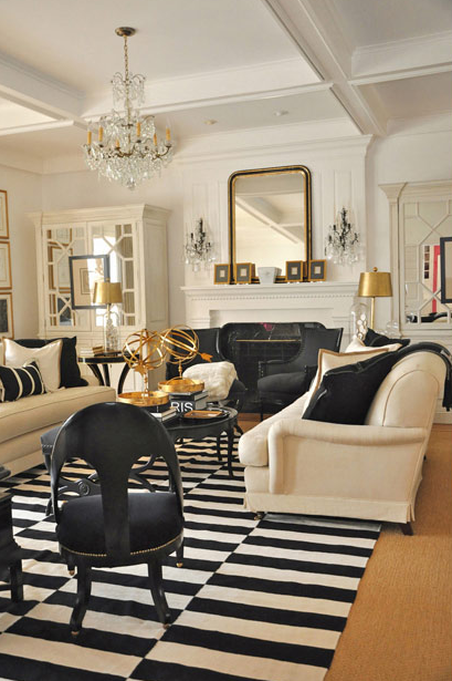 Mix and chic cool designer alert megan winters for Gold and black living room ideas
