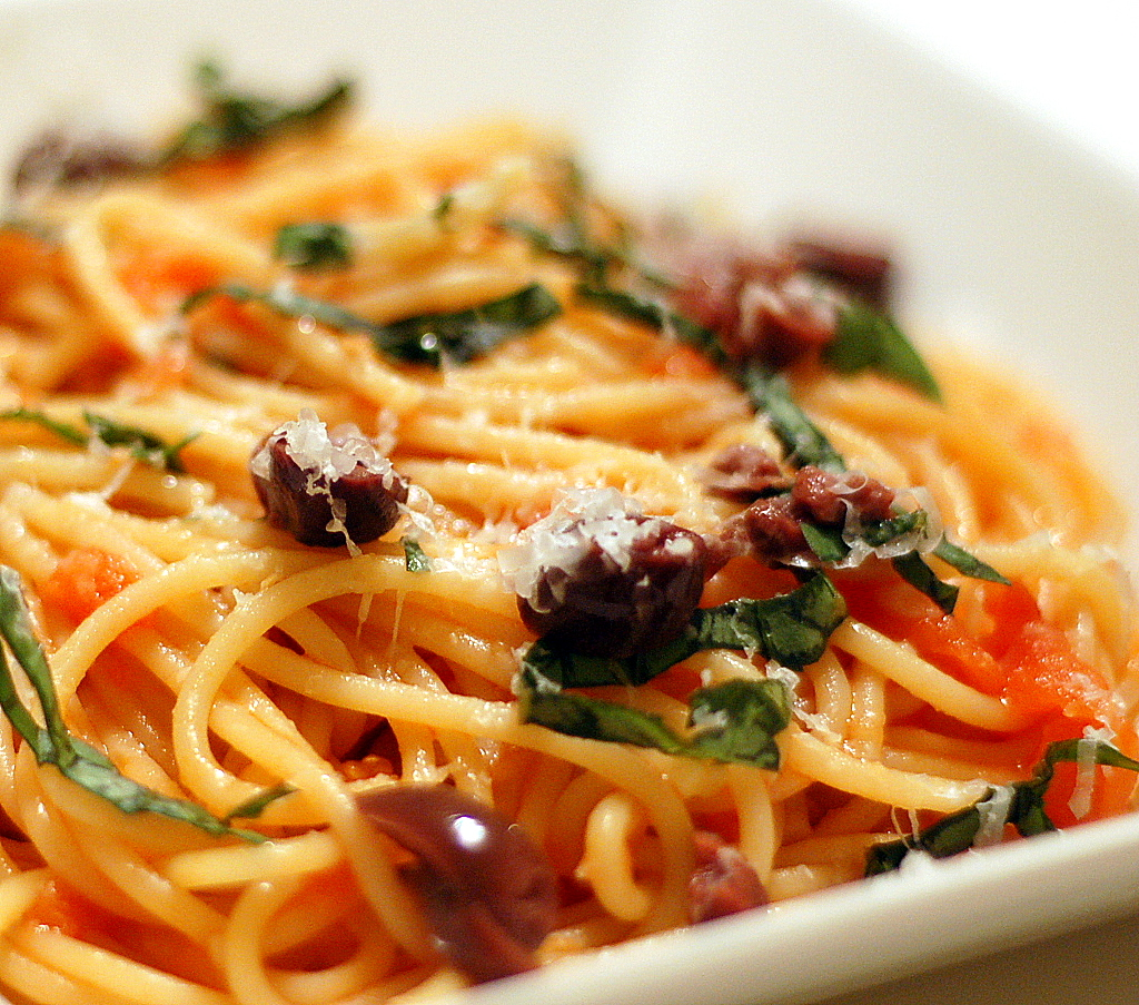 Naked Tomato Sauce Recipe — Dishmaps