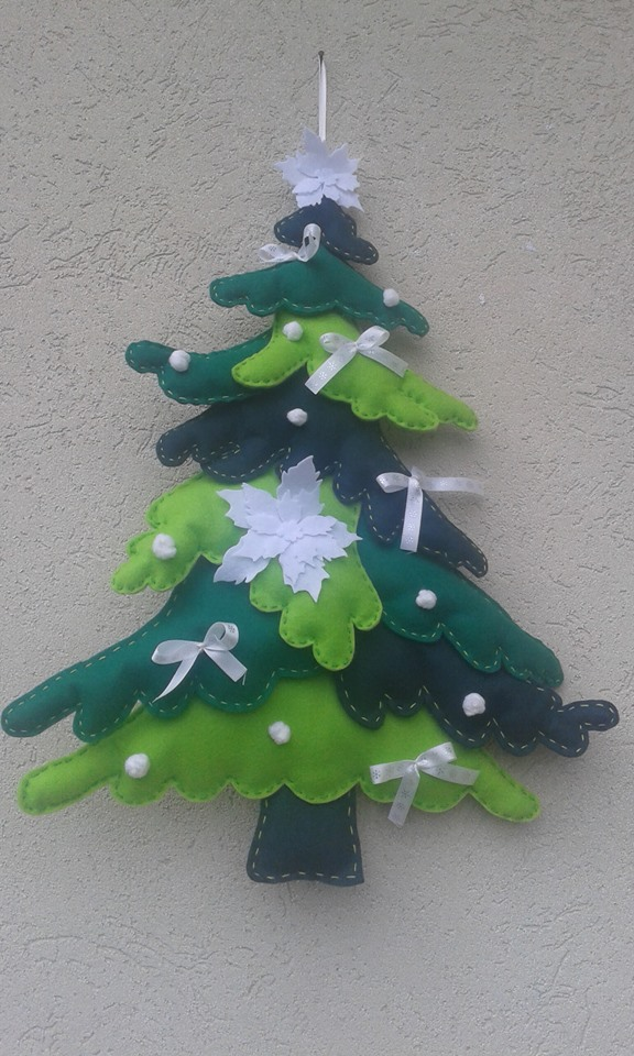 manu creazioni: albero di natale in pannolenci