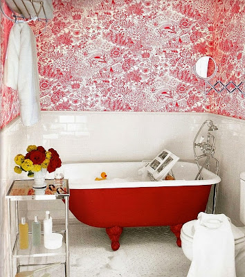 Claw foot Bathtub in Bright Red brings together the modern and the vintage