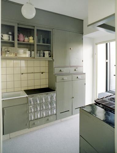mid2mod frankfurt kitchen. Black Bedroom Furniture Sets. Home Design Ideas
