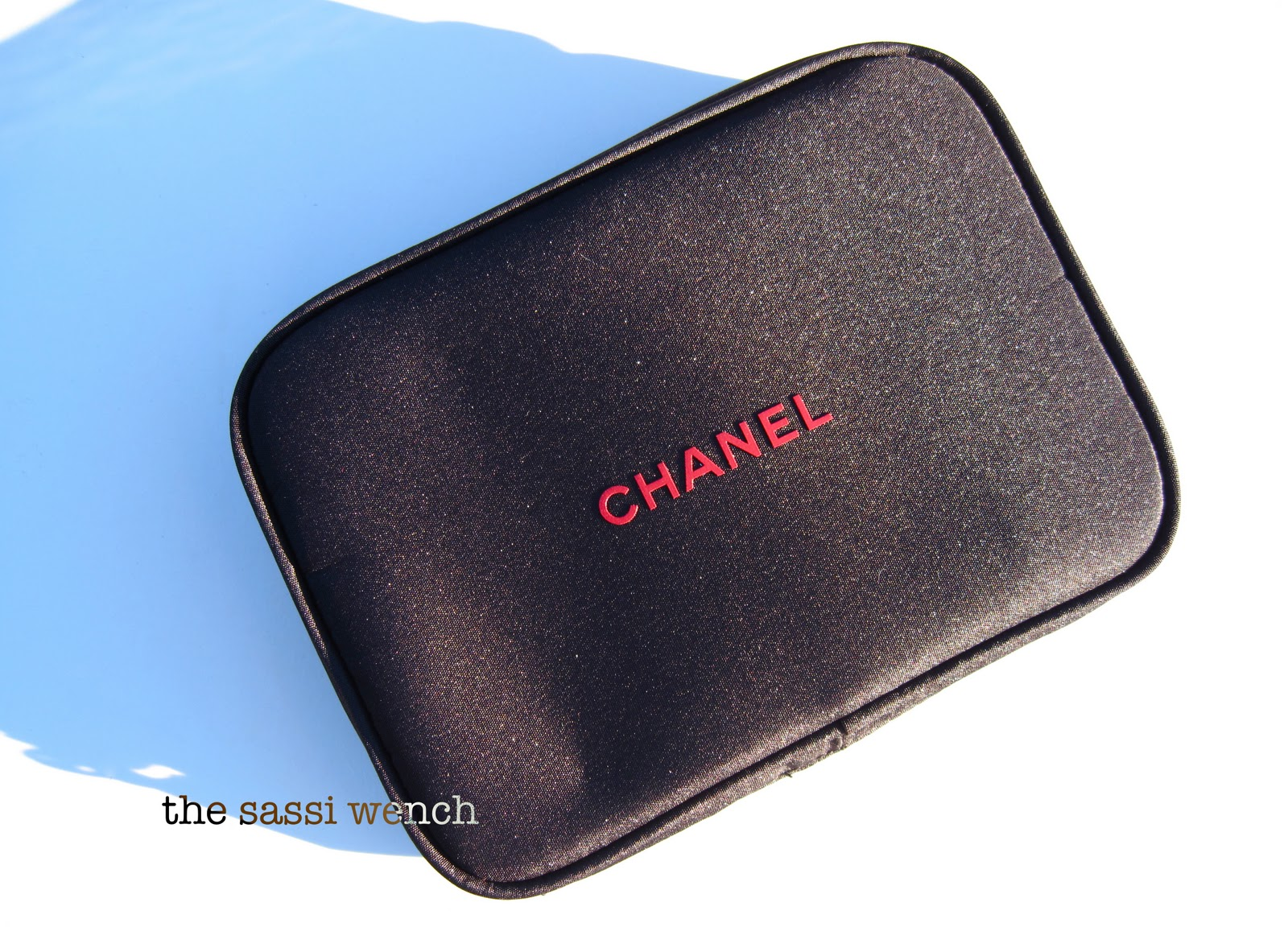 ... lived it...: Chanel Holiday 2011 Makeup Brush Set Les Minis de Chanel