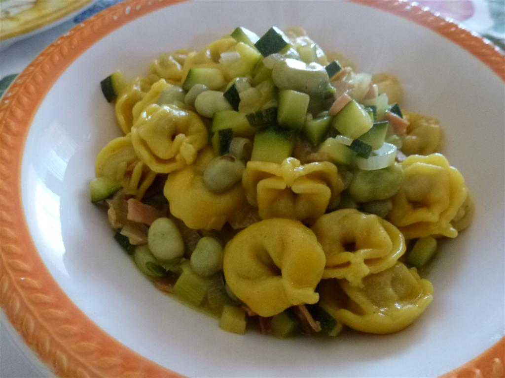 Tortellini fava e zucchine