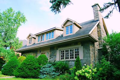 Una casa muy linda cerca de Rockland en Montreal