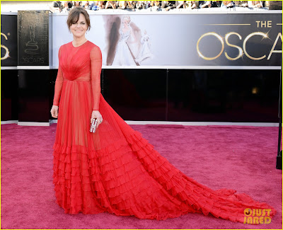 sally field oscars 2013 red carpet 04 Mega Photo Collection From The Oscars 2013