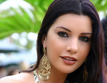 http://soft-sta.blogspot.com/2012/11/google-Lamita-Franjieh-on-the-sea.html