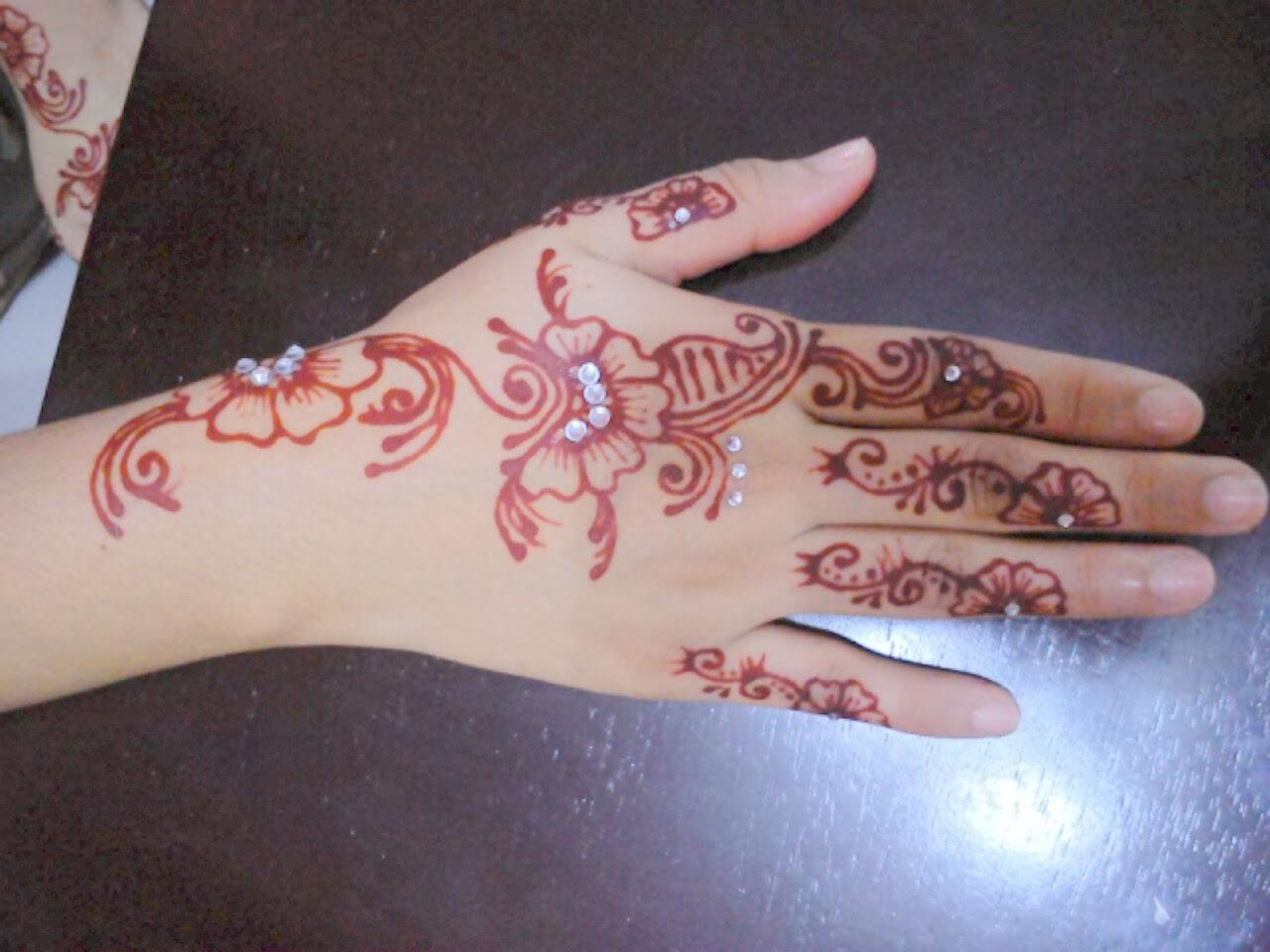 Ikha Henna Artist Inai Tradisional VS Moden Azwana 16 Jan 2014