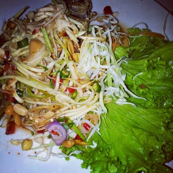 kedai makan nyaman dan Nuri Seafood, Kg Baru http://apahell.blogspot.com/