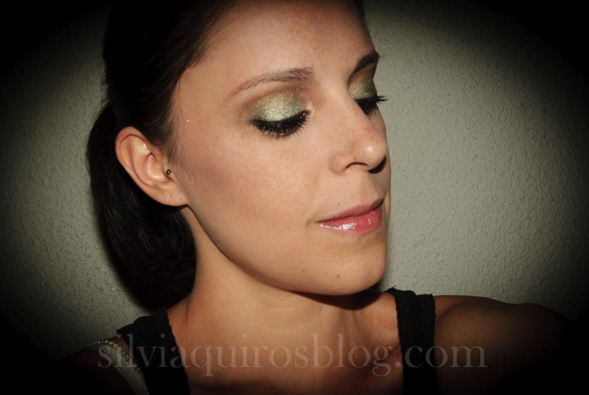 http://2.bp.blogspot.com/-mY1ZlcVIt_M/UFFBjpJAOfI/AAAAAAAARjo/cRqrxxs39IM/s1600/scarlett+johansson+verde6.jpg