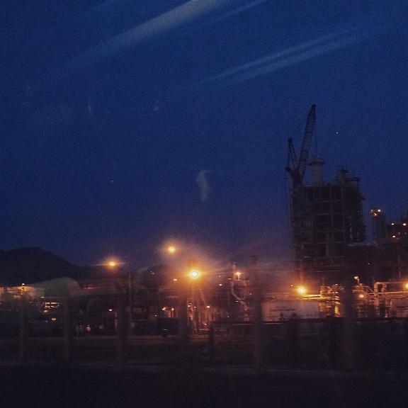 Menjelang Malam Daerah Industri