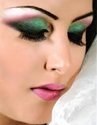 دراسة علمية : الماكياج يجعل المرأة تبدو أصغر سنًا  - مكياج تبرج ميكاب - makeup