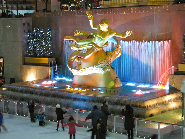 Prometheus-Under-The-Tree-at-Rockefeller-Center-January-2012