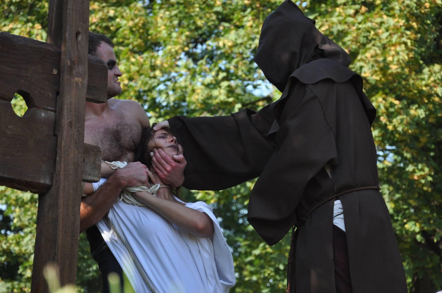 wypedzanie Szatana z opetanej czarownicy