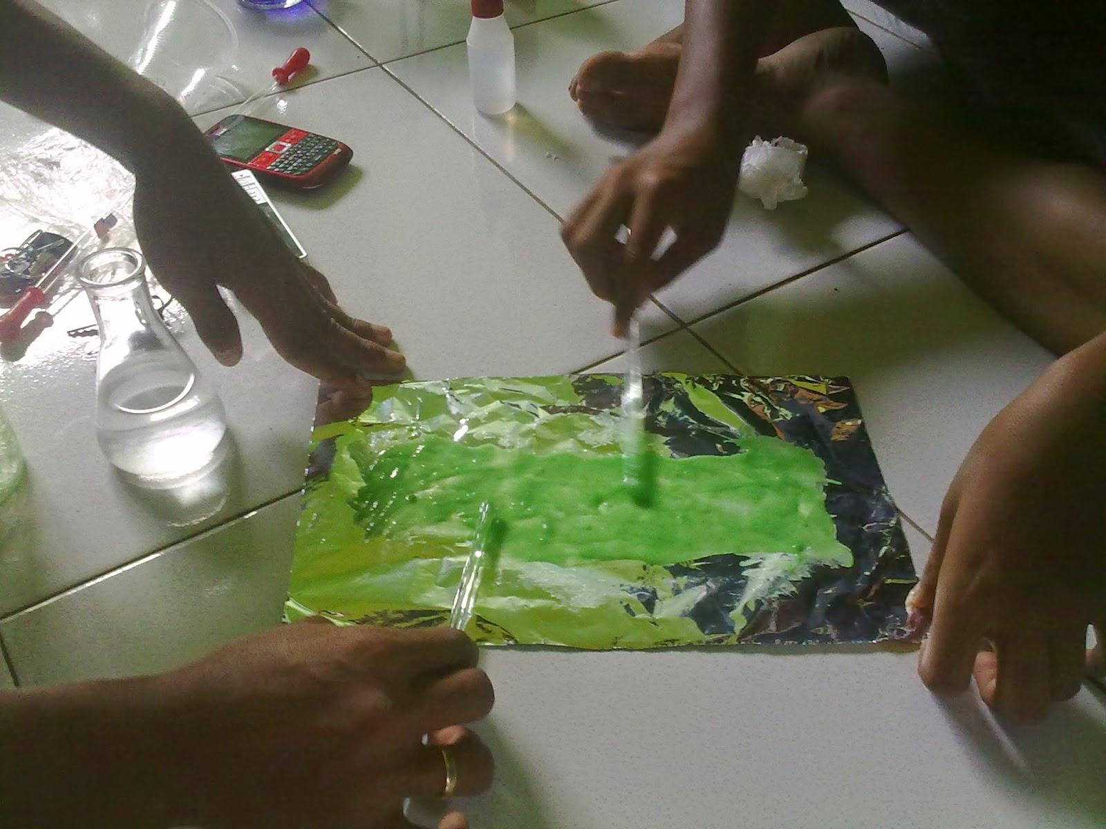 PEMANFAATAN GADUNG (Dioscorea hispida Dennust) UNTUK PEMBUATAN PLASTIK RAMAH LINGKUNGAN(Biodegredable)