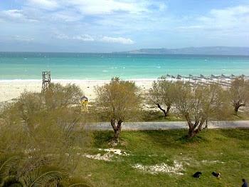 Παραλία Βραχατίου.