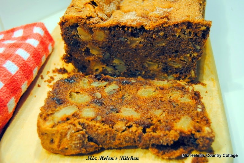 Featured Recipe | Fresh Apple Quick Bread from Miz Helen's Country Cottage #recipe #SecretRecipeClub