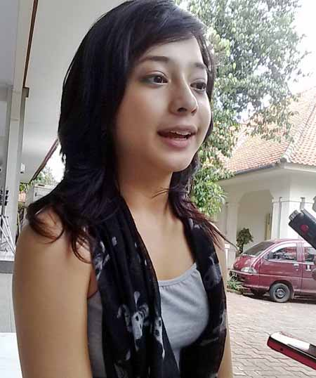 foto artis cantik nikita willy